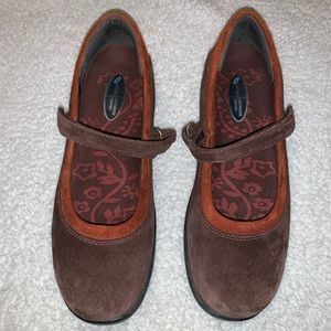 Aetrex Mary Jane Suede Shoes